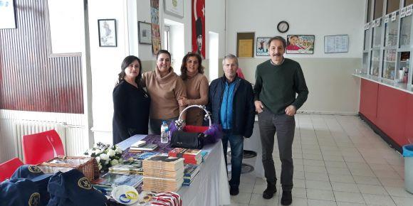İstanbul Kadıköy Lisesinde simit-salep günü