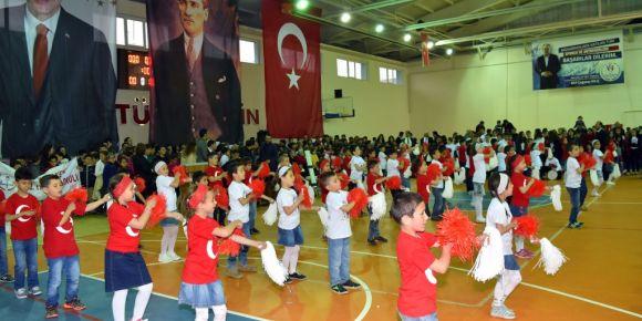 23 Nisan Ulusal Egemenlik ve Çocuk Bayramı Yakakent'te coşkuyla kutlandı