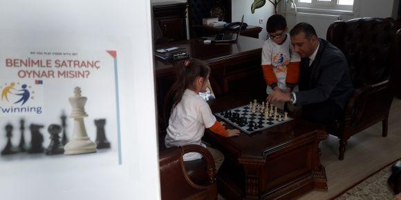 eTwinning projelerimizden ikincisi olan Benimle Satranç Oynar mısın?