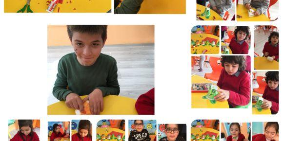 Özel eğitim sınıfı öğrencileri elinden kurbağa sanat etkinliği