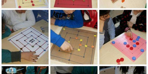 Sınıfımızda üçtaş ve dokuztaş oyunu tasarlayıp oynuyoruz