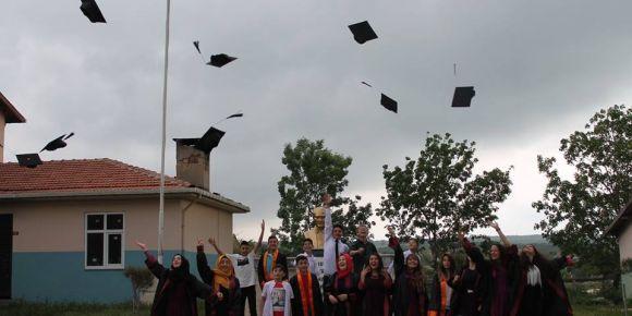 Beyciler Mukaddes Sönmez Ortaokulu mezuniyet töreni