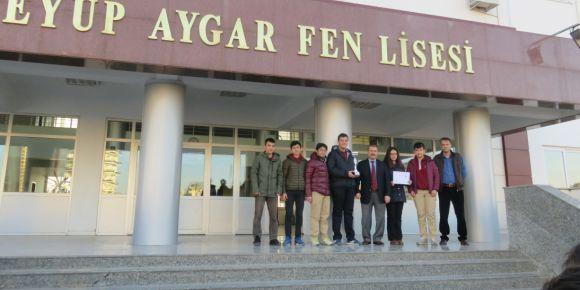 Eyüp Aygar Fen Lisesi okul satranç takımı Mersin il birincisi
