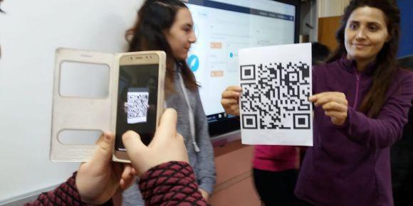 Yunus  Emre Mesleki ve  Teknik Anadolu Lisesi actionbound uygulamasıyla   tanıştı