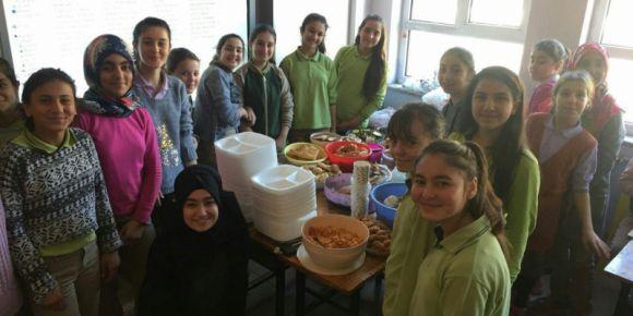 Şehit Recep Demir İlkokulu/Ortaokulu kahvaltı şenliği yaptı