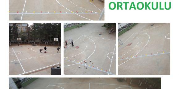 Okul bahçemize futsal sahası çizimi yaptık