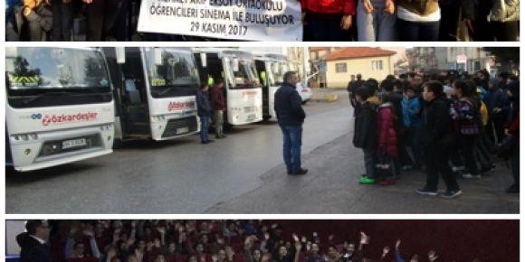 Uşak/Merkez Mehmet Akif Ersoy Ortaokulu öğrencileri sinema ile buluşuyor