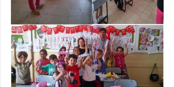 Urla Jale Necdet Özbelge İlkokulu öğrencilerine diş bakımı semineri