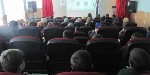 Okulumuzda böbrek hastalıkları ile ilgili seminer verildi
