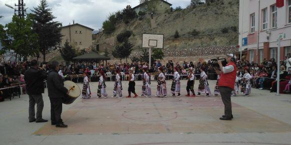 Tokat Merkez Bedestenlioğlu İlkokulu 23 Nisan Bayramı kutlama