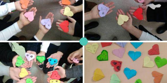 Öğrenciler  yapılan online bağlantıda  origami sanatı ile ayraç yaptılar