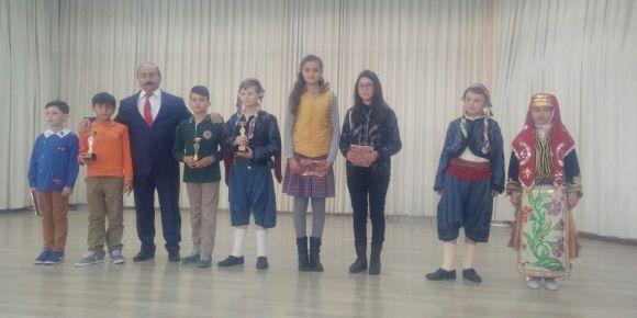 Uşak/Banaz Şehit Veli Uludağ Derbent Ortaokulu üç dalda üç ödül aldı