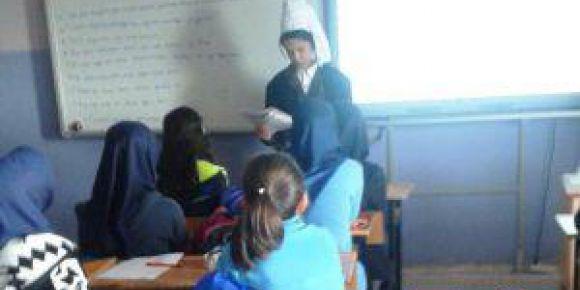 Okulda dersler drama yöntemiyle işleniyor