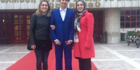 """Yıldıray Çınar Mesleki ve Teknik Anadolu Lisesi şiir okuma yarışmasında"""" il 1.'si olmuştur"""