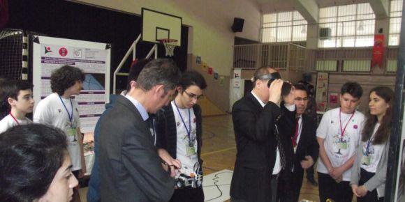 Bornova Kaymakamımız Sayın Mustafa Gündoğan ve sanal gerçeklik deneyimi