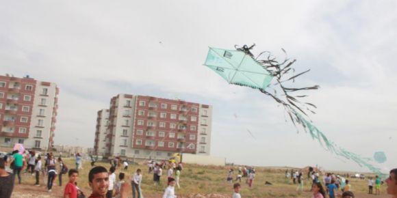 Nusaybin Mehmet Akif Ersoy Ortaokulu  olarak uçurtma etkinliği düzenledik