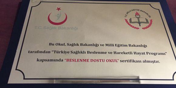 """Izmır Bayraklı Osman Faruk Verimer Ilkokulu """" Beslenme Dostu Okul"""" oldu"""