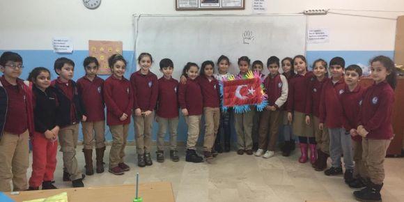 eTwinning projesi kapsamında bir Türk bayrağı tasarladık