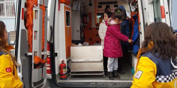 Ambulansın içini çok merak ediyorduk