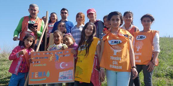 Türkü türkü Türkiyem etwinning projesi hatıra fidanlığı