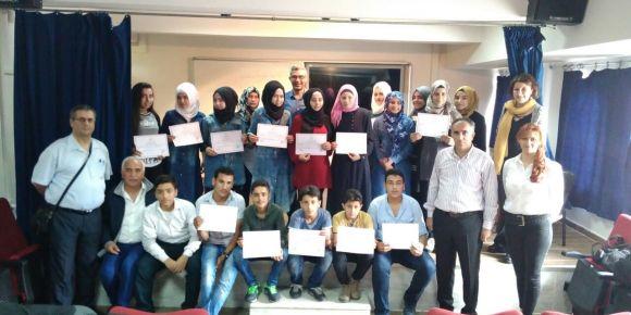 Suriyeli öğrencilerimize A1 seviyesi  Türkçe kursu eğitim sertifikaları verilmiştir