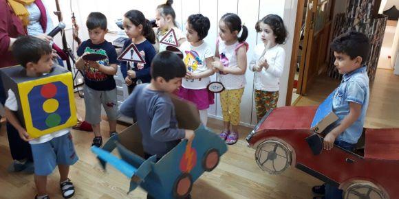 Balıkesir Mithatpaşa Anaokulunda Trafik Haftası etkinlikleri kapsamında kutlamalar yapıldı