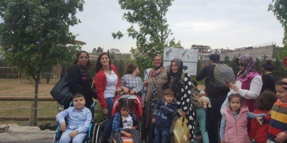 Darıca Hayvanat Bahçesi gezisi engelli öğrencileri mutlu etti