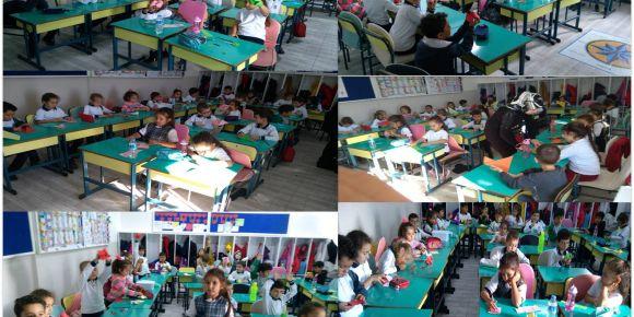 Aydın Didim Valiler İlkokulu 1-D sınıfı tuzlukla kelime oyunu oynuyor