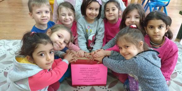 Çocuklar için değer projesinde yardımlaşma