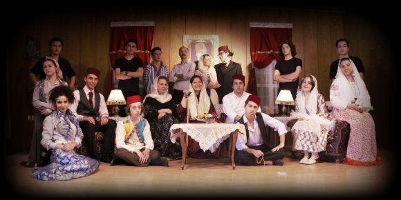 İstanbul Kadıköy Lisesi öğrencilerinden nostaljik bir oyun Konakta Fehamet Var