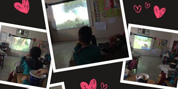 Orhangazi İlkokulu sinema keyfi yapiyor