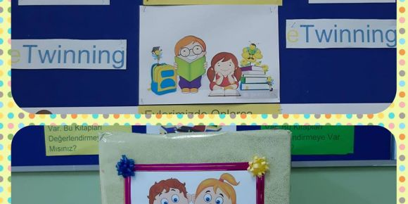 Proje ortakları öğretmenlerin kitap hediyeleşmesi