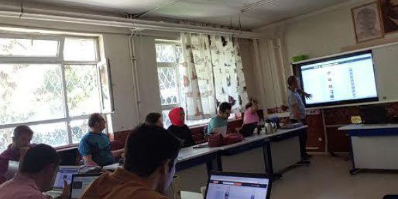 Fatih Projesi Bilişim Rehber Öğretmen Kurs yapılıyor