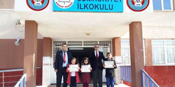 Ocak ayında en çok kitap okuyan öğrenci ödülleri sahiplerini buldu
