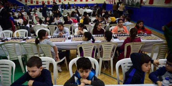 7 Ocak Kurtuluş Kupası Satranç Turnuvasındayız