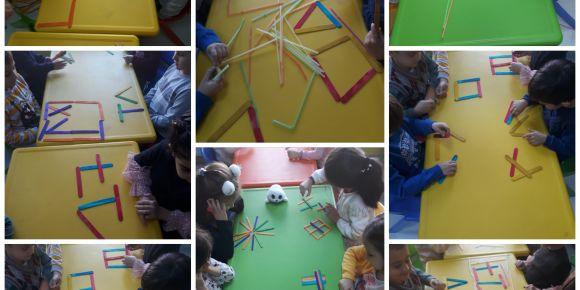 Renkli çubuklar oyuncağımız oldu