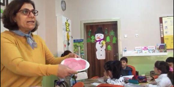 Okulumuz 1-B sınıf öğretmeni Sırma Tanrıverdi öğrencileri ile sandviç yaptı