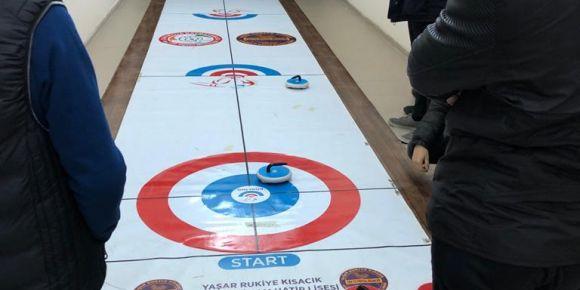 Curling Okulumuzda