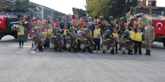 Kilis Emine Mahmut Kudeyt İlkokulundan, İl Jandarma Komutanlığına anlamlı ziyaret