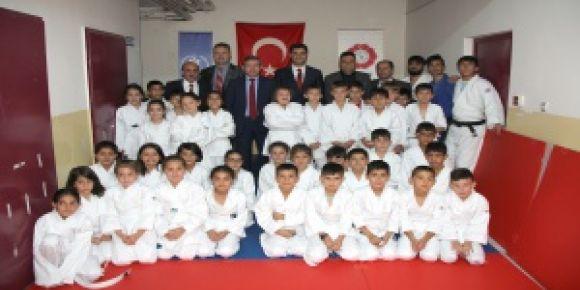 Erzurumlu Minikler Judoyla Spora Başlıyor