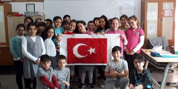 İşbirliği ile şanlı bayrağımızı oluşturduk