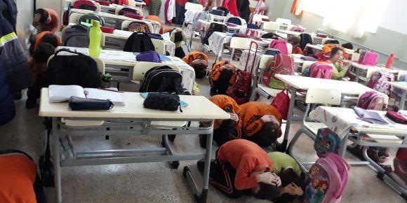Cahit Zarifoğlu İlkokulu Deprem Tatbikatı