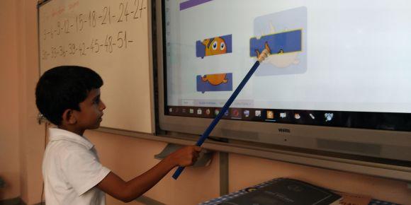 Kuzucubelen İlkokulu ve  2/A sınıfı öğrencileri kodluyor