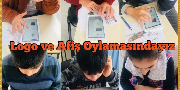 Öğrenciler Proje Logolarını ve Afişlerini Seçiyor