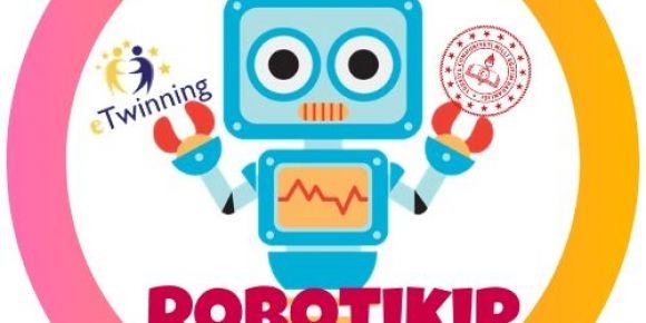 Robotikip eTwinning projemizin logo ve afişlerini hazırladık