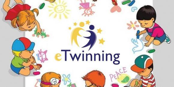 E-Twinning kapsamında Küçük Eller Büyük İşler Projesi