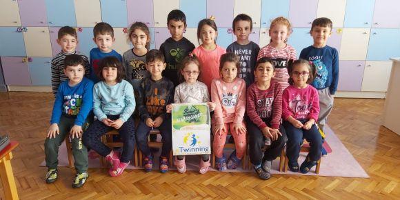 Hasan Özvarnalı İlkokulu Anasınıfı Öğrencileri Atıktan Sanata Projesine Katıldılar