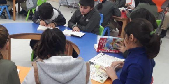 Nahit Ergene İlkokulu  Her Yerde Okuyor