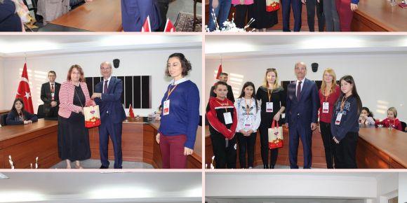 Misafirlerimiz Efeler Milli Eğitim Müdürümüz Sayın Mustafa Özmen tarafından ağırlandılar