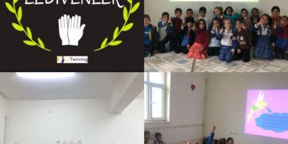 Silopi' de İlkokul Öğrencileri Beyaz Eldivenlerle Çevre Temizliğini Önemsiyor!